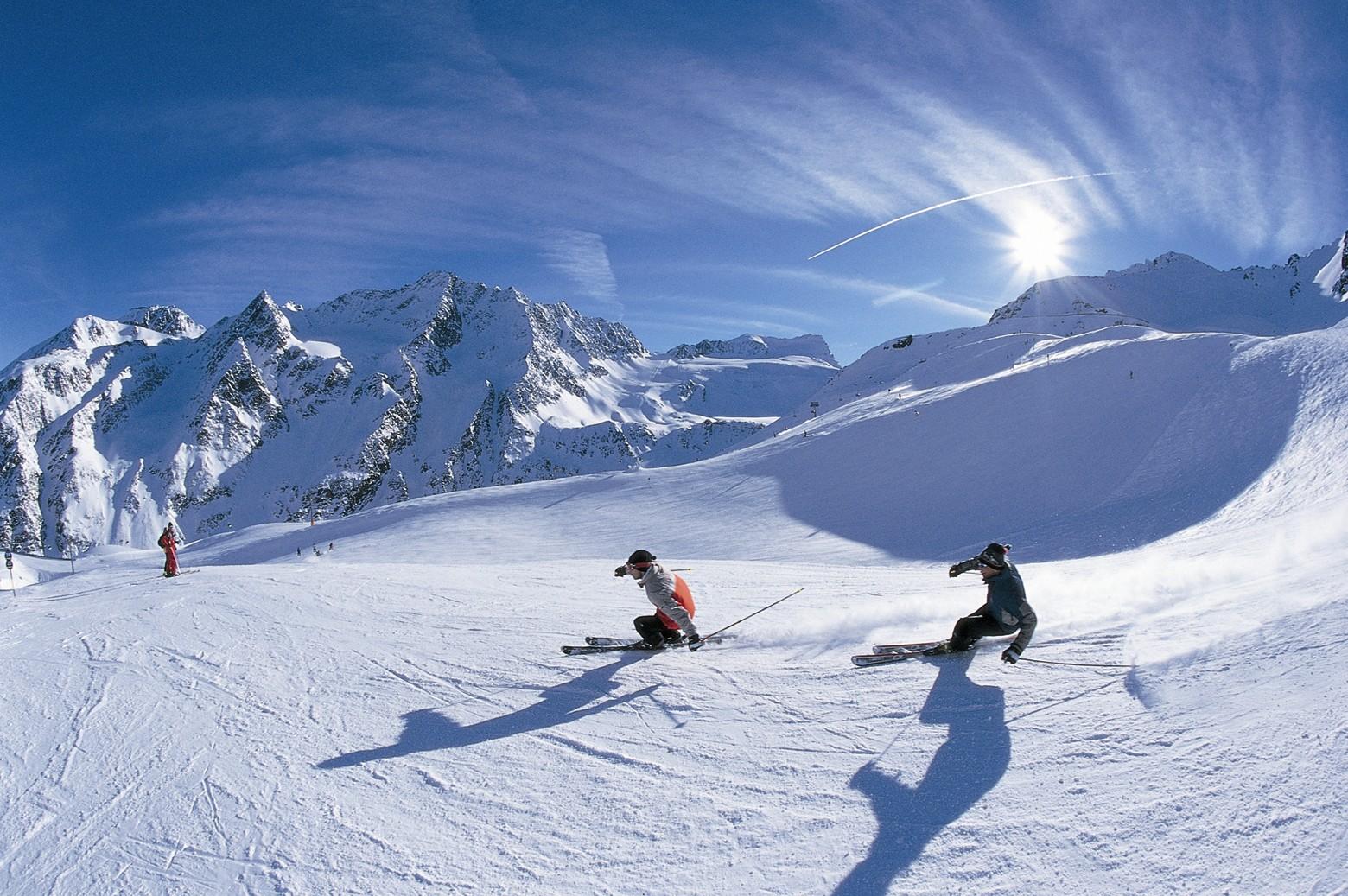 Italy-skiing-holidays-skiing